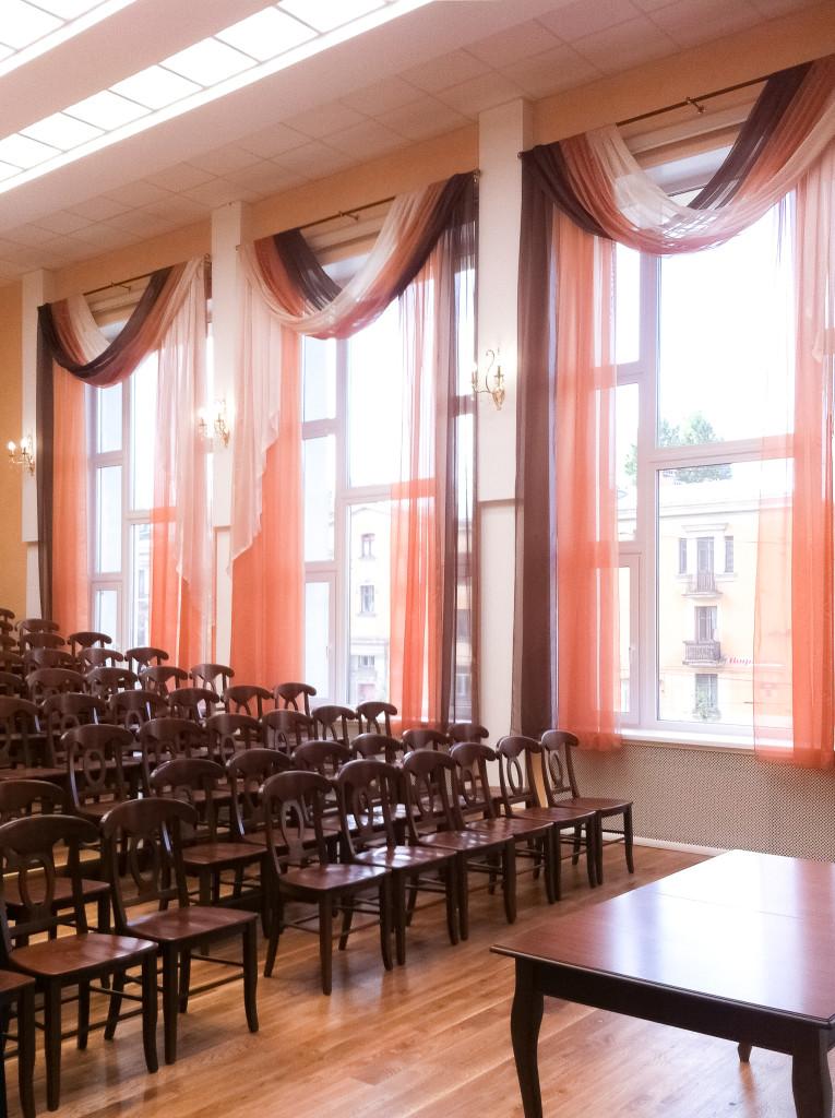 1.5 шторы в концертный зал