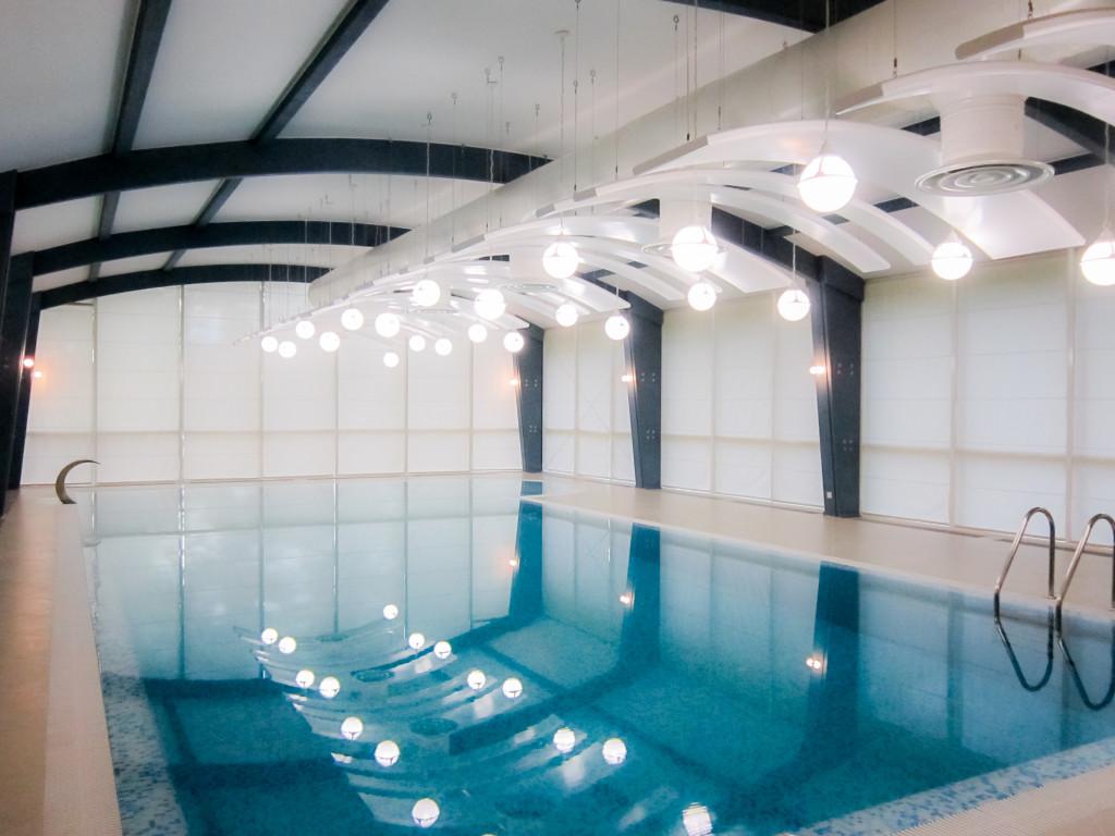 1.57 римские шторы в бассейн с электроприводом