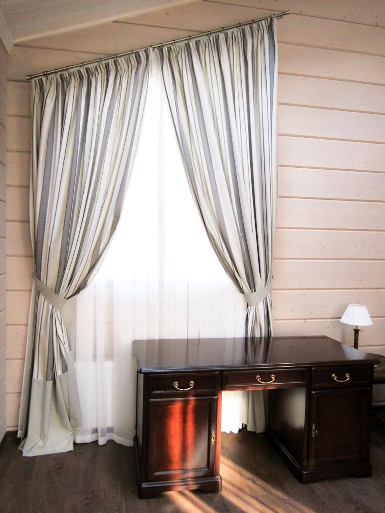 1.66 шторы в кабинет